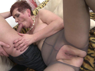 Roza c - Wild mature lady doing her toyboy HD 720p