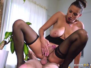 The Guy Seduces His Slutty Lady Teacher