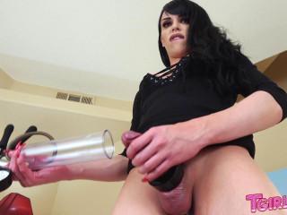 Bree Bellas Big Creamy Load!