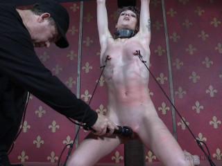 New met newbie faces powerful bondage & discipline