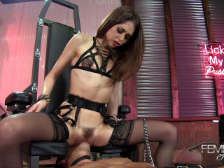 Riley Reid - Slave Face Ride