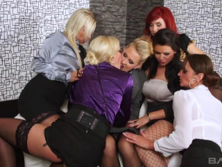 Furious Hook-up Party Gangbang Queens