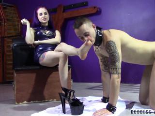 Desperate Caged Foot Slave - Goddess Valora - Full HD 1080p