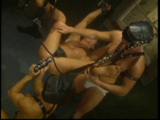 Rough Bottoms In Orgy