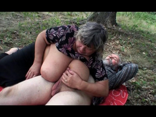 Wild picnic session for the generations