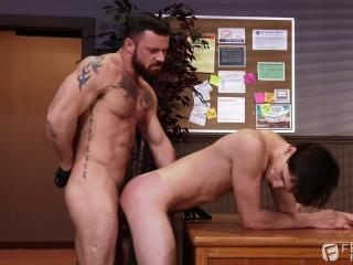 Sergeant Miles fucks Tony Orlando's asshole (1080p)
