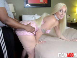Alexis Andrews - Pawg (2018)