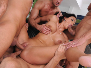 Pretty Woman Gets Drilled Rigid By 4 Studs