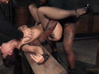 Grand finale of Syren de Mer BaRS's showcase with penalizing Big black cock suck and tough restrain bondage sex!