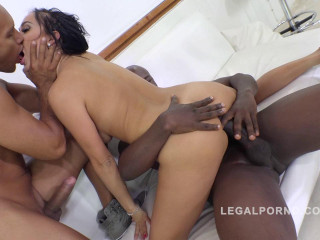 Black monster cocks in gangbang for Lara Onyx with DP