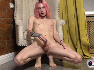 Pink Haired Nika Nuar Cums