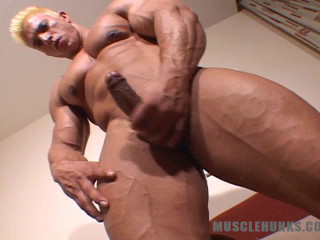 MuscleHunks - Papi Palermo - Climax of the Buff