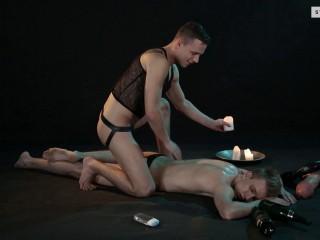 Florian Mraz, Sven Laarson