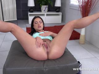 Wet fun - Jessica Lincoln - HD 720p