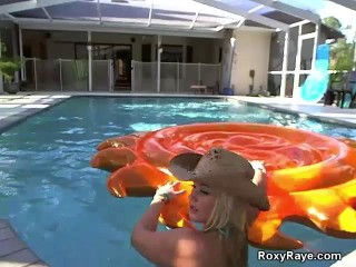 Roxy Raye vignette 2