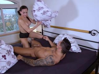 Ashley Woods Blowjob For Breakfast FullHD 1080p