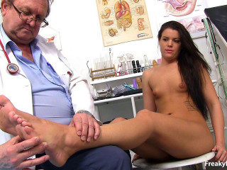 Tall Euro black-haired obgyn exam