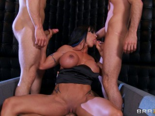 Hot Lady Decides To Take Them On With Every Hole She's Got
