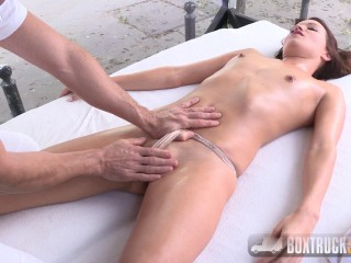 BoxTruckSex - Roxy Dee - May 22, 2017