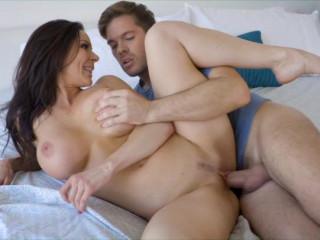Kendra Lust Enjoys Humungous Orb Cougars Vol. 2