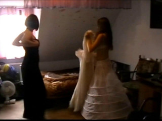 Leonie and Valentina - The pal of the bride part 1 of 7