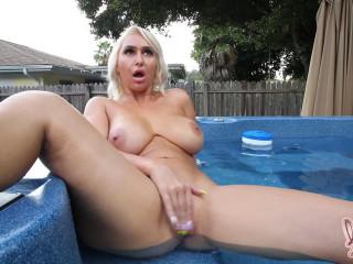 Hot Tubbin