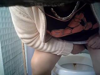 Hidden camera in the women's wc vol.193