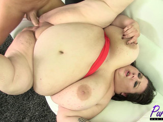 Brand fresh ssbbw Lola Lovebug wants to get banged