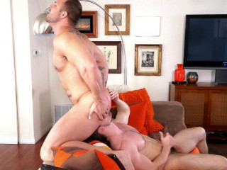 Super-hot Hunks in spin boink and eat jizz