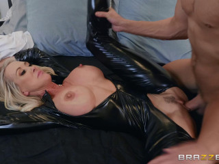 Brandi Love - Brandi Loves Latex (2019)