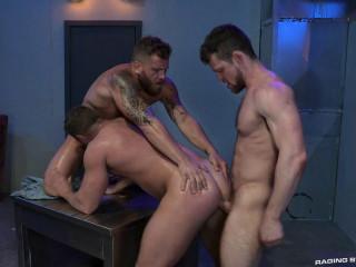 Hot 3some Johnny Ryder, Kurtis Wolfe & Riley Mitchel (720p)