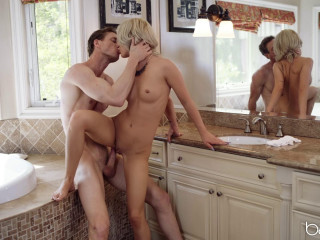 Bella Elise Rose - Seducing the Service