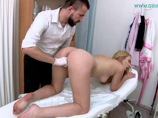 Amaris (24 years girl gyno exam)