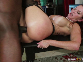 Hot Lady Fucks On The Kitchen Table