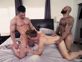 Hot Threesome Atlas Grant, Bar Addison & Sir Jet 720p