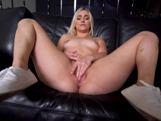 Aria Banks Gets Her Pussy Drilled Deep By Dick FullHD 1080p