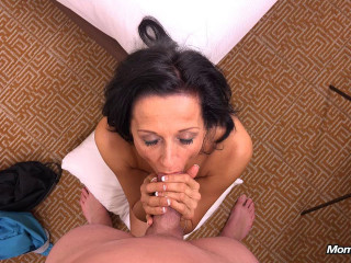 Cathy - 44 year old webcam   takes creampie