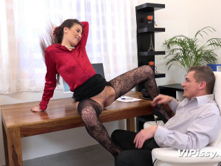 Yenna - The Best Secretary