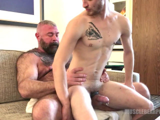 Will Angell fucks Pup Badger's asshole 720p