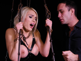 Sizzling - Nov 10, 2017 - Spandex Paramour in Chains