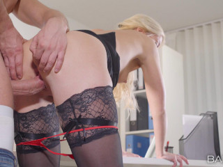Jiggly Cat - Firm at Work FullHD 1080p