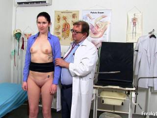 Leggy pale skin gal Marietta obgyn speculum exam