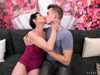 Grandmother gets theCock Pixie Oliver