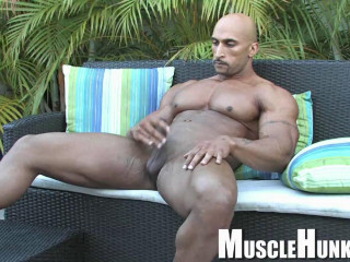 MuscleHunks - Rico Cane - Nature's Treasures