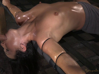 Fit Milf Wenona Strictly Restrained And Does Epic Brutal Drooling Deepthroat
