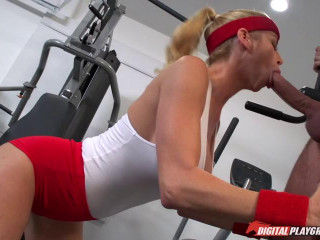 Double penetration - Alexis Fawx (Wettest Workout II) 02.08.17