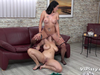 Angel Wicky & Isabel Dark - Joining In The Fun
