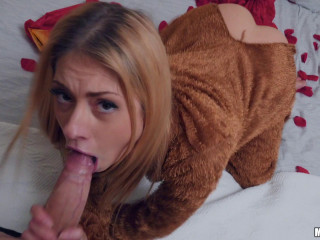 Rebecca Volpetti - Right Gift Wrong Girl
