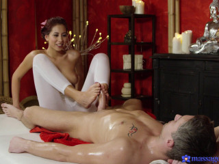 Deep voluptuous ejaculation for Japanese stunner