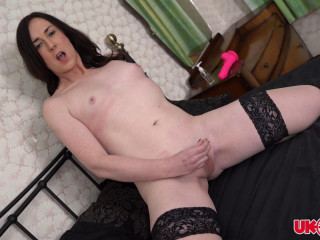Stacey Summers Pink Toy Fuck In Bed With Stacey! (2019)